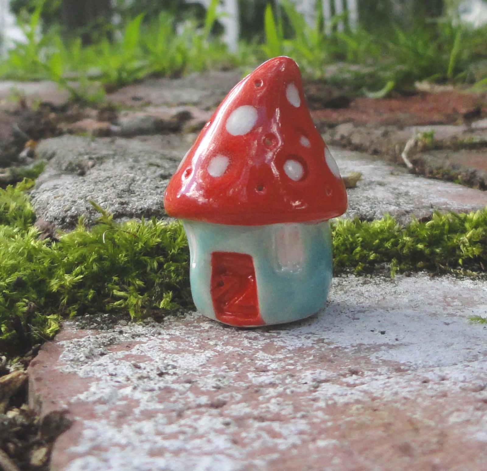 Mushroom Gnome Home Ceramic Pottery Sculpture Clay Fairy House Garden Miniature Terrarium Mushroom Green Beatlebaby Beatlebaby Glassworks